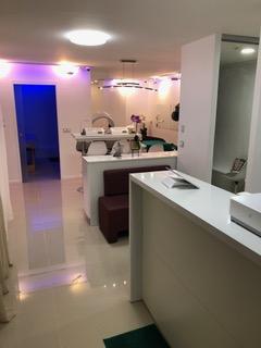 SAS salon de beauté/coiffure/massage